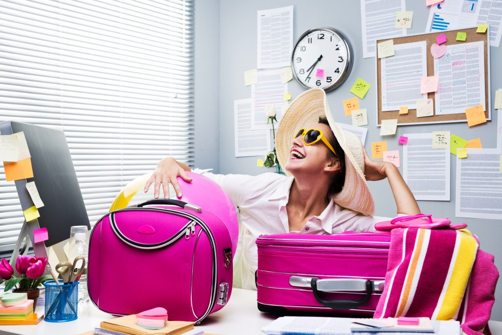 3 Tips to Turn Your Out of Office Into a Year-End Appeal