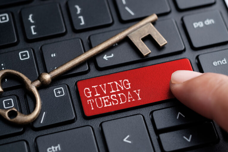 6 Ways to Grow Your Donor Email List Before Giving Tuesday